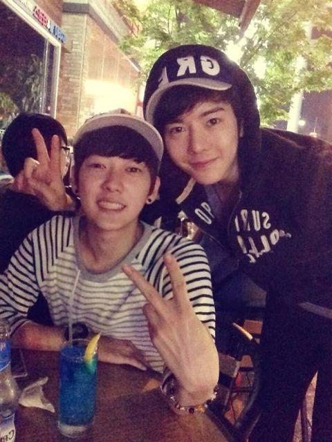 Hyoyeon hyung seok dating games