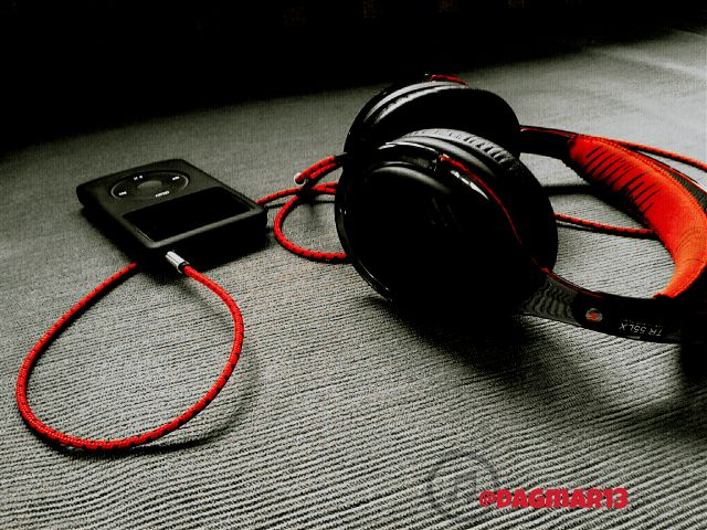 pictures of headphones